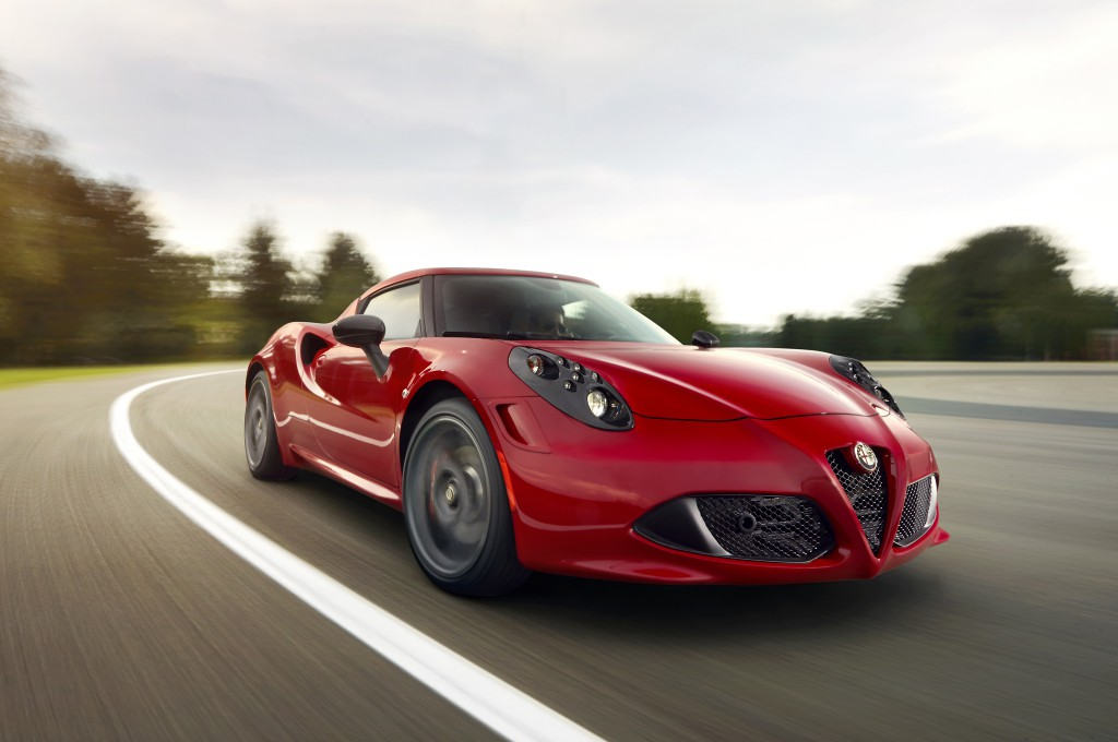 2014-Alfa-Romeo-4C-front-right-view