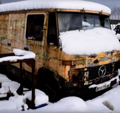 back-from-the-dead-mercedes-benz-407d-fires-up-again-after-12-years-of-neglect-105323_1