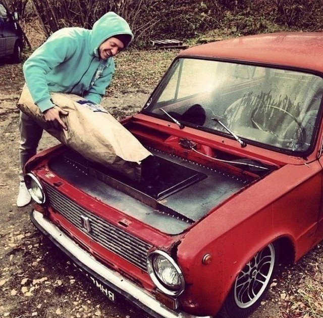 Awesome-Photos-From-Russia-With-Love-Car-BBQ-1