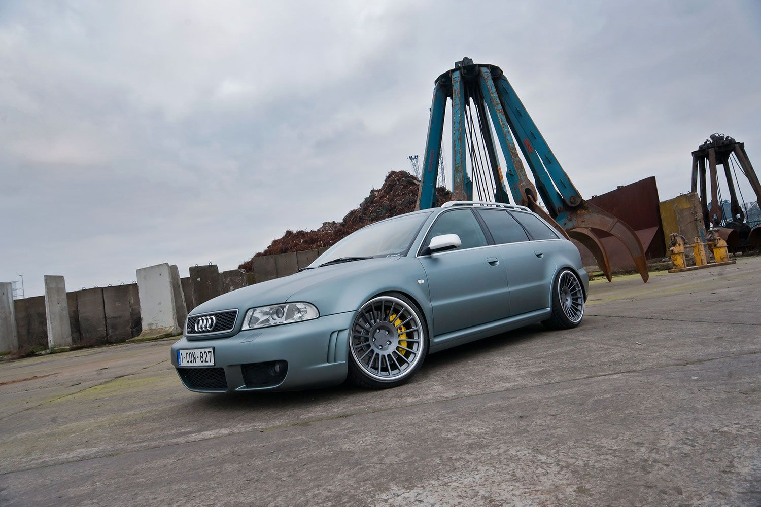 2001-audi-rs4-rotiform-ind-monolook-superconcave-wheels-04