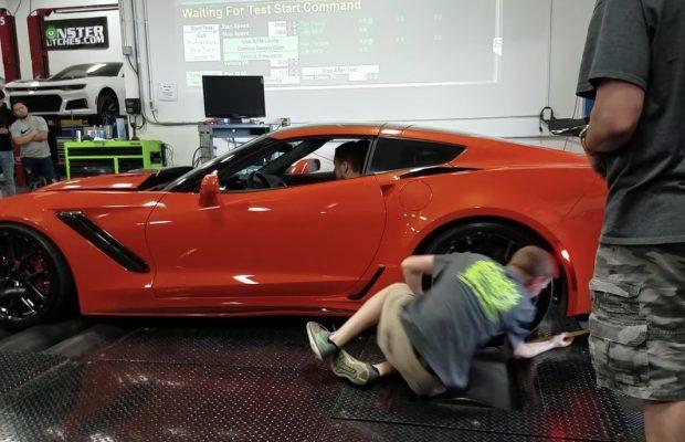 Arm i klemme på rullefelt Corvette