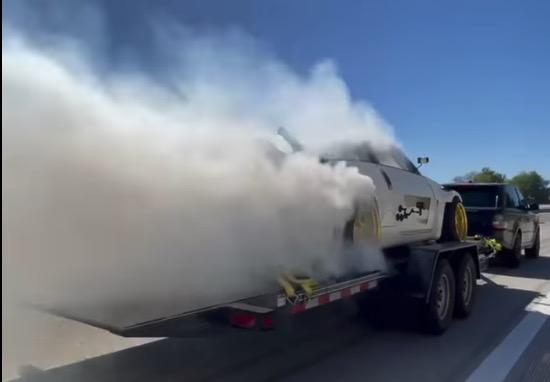 Brænder på en trailer