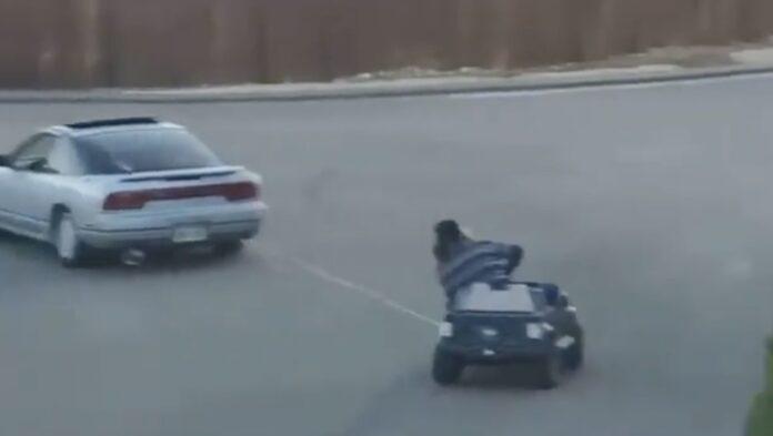 Drifting i legetøjsbil