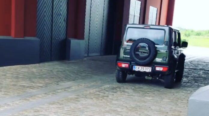 Jimny lyder som F1-racer