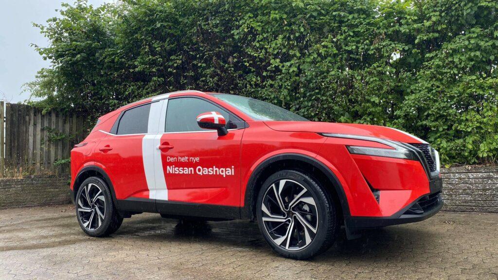 Nissan Qashqai med Dannebrog