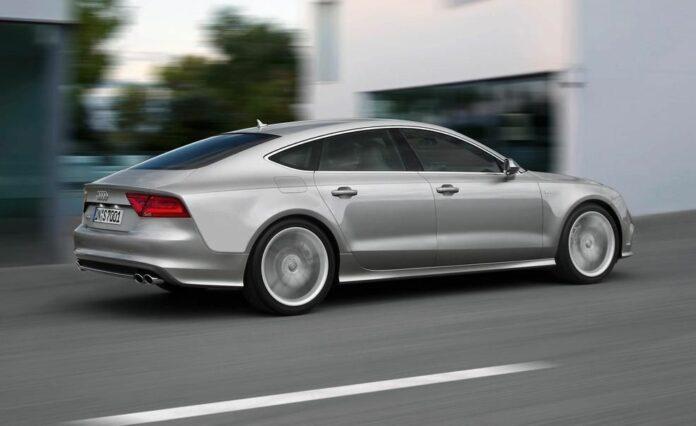Politiet har beslaglagt en tysk indregisteret Audi S7, som blev snuppet med 215 km/t