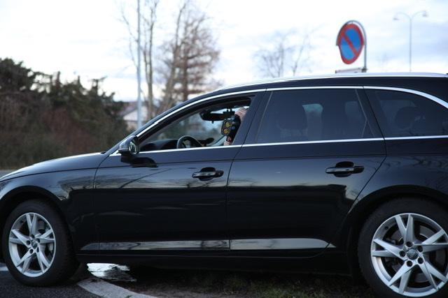 En 17-årig bilist uden kørekort forsøgte i sidste uge at flygte fra en rutinekontrol i fars firmabil
