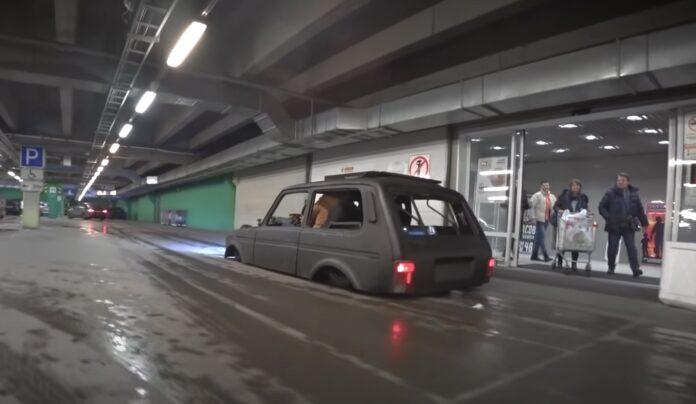 Lada Niva med luftundervogn