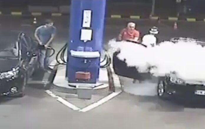Ryger på tankstation