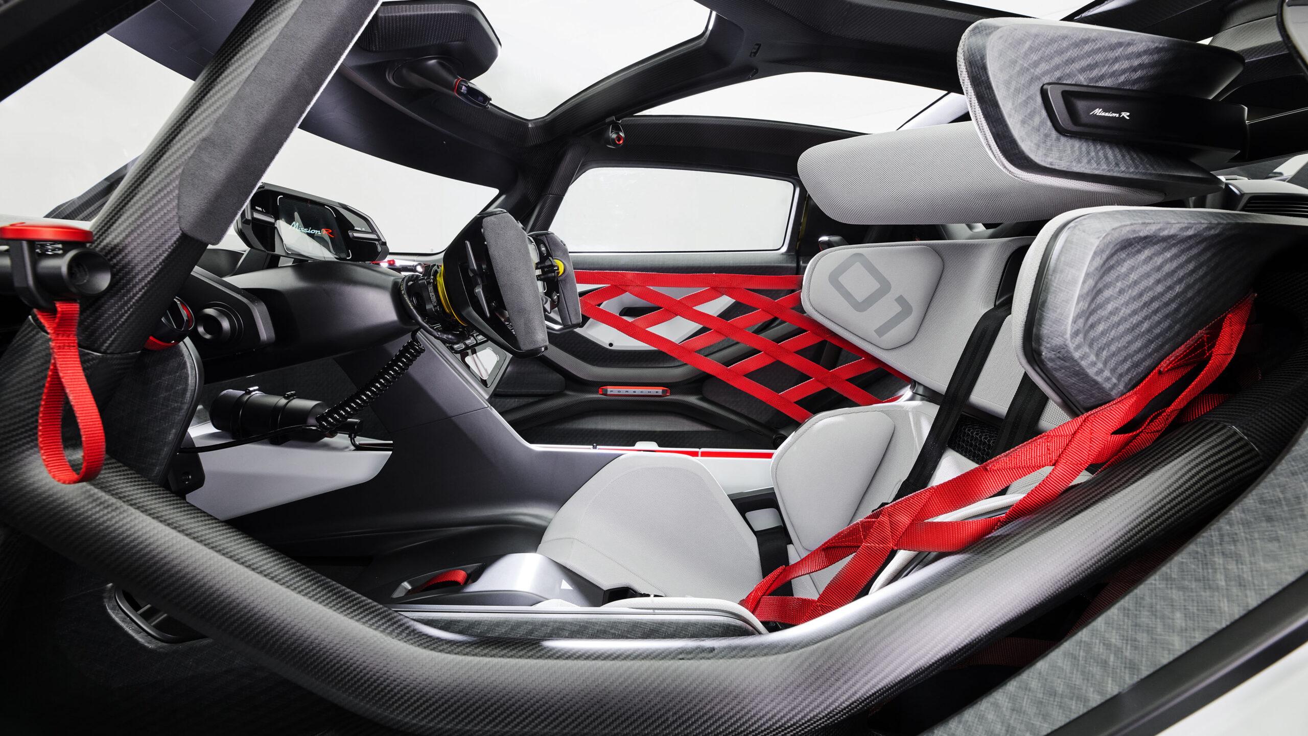 Porsche har afsløret Mission R som konceptbilen der skal tegne fremtidens baneracer fra Stuttgart - den kører på strøm.