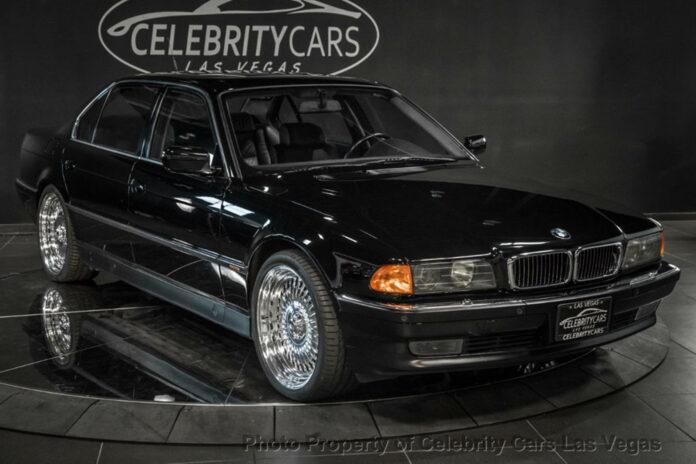 Efter mere end tre år uden en køber er det måske på tide at sætte prisen på Tupac Shakurs BMW 750iL ned? Bare en smule, måske.