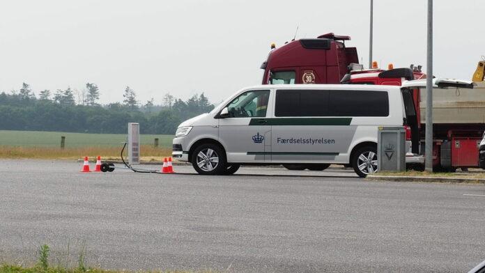 Færdselsstyrelsen har fået et nyt våben i jagten på tunge køretøjer, som forurener for meget