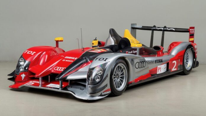 En åben Audi R15, der deltog i 2009-udgaven af 24-timers løbet på Le Mans, har ramt brugtmarkedet.