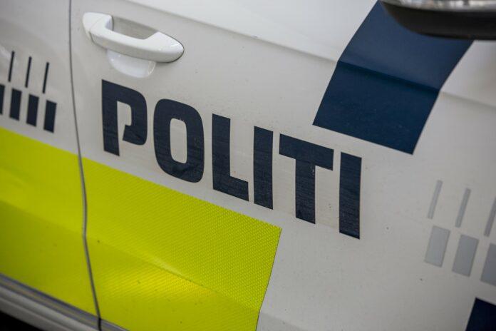 En 49-årig mand er blevet varetægtsfængslet, efter at han mandag i denne uge først brød ind hos en kvinde i Holbæk og derefter stak med hendes bil.
