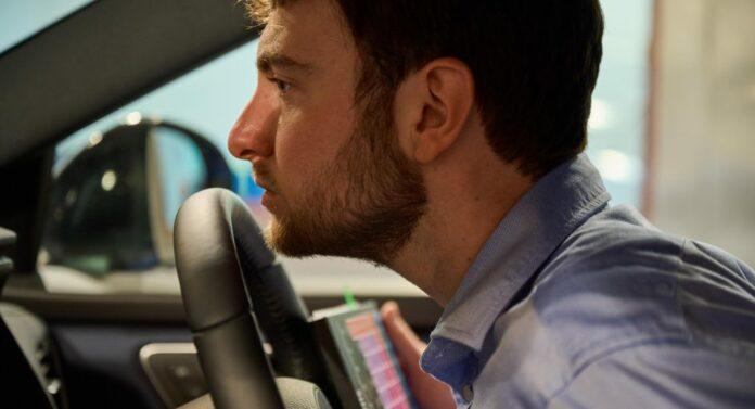 Har du en virkelig veludviklet lugtesanse, kan det være, at Nissan leder efter lige din næse. En ny bil skal nemlig dufte helt rigtigt.
