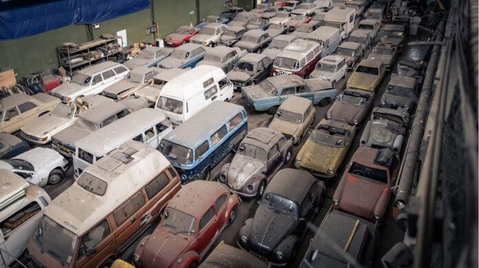 En forladt bilsamling i London bydelen Tottenham er vurderet til blot 1 million pund